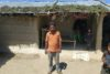 Saroj Yadhav de Nepalganj a perdu son travail de conducteur de rickshaws. Désespéré, il se demande comment il va nourrir sa famille. (csi)