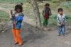 Malgré le froid, de nombreux enfants n'ont pas de chaussures. (csi)
