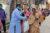 Les partenaires CSI au Bangladesh ont vite réagi et ils ont distribué des colis humanitaires à sept cent cinquante familles. Jhorna Adhikary, une des bénéficiaires, déclare : « Sans votre aide, je ne sais pas ce que j'aurais pu donner à manger à mes deux enfants ce soir. » (csi)